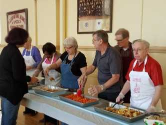 Social Concerns Committee serves lunch